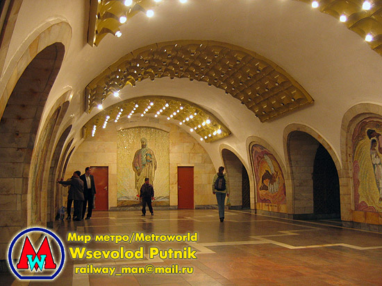 http://metroworld.ruz.net/others/images/baku/05_nizami_04.jpg