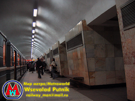 http://metroworld.ruz.net/others/images/baku/06_sheher_04.jpg
